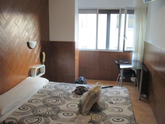 Hostal Sanmar: Zimmer
