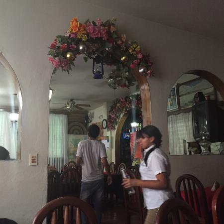 Hotel Mesa de Los Mayas: También es restaurante