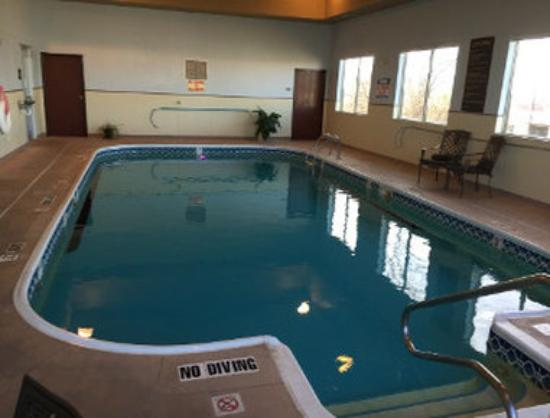 Baymont Inn & Suites Highland: Pool