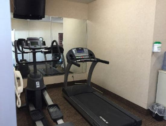Baymont Inn & Suites Highland: Fitness Center