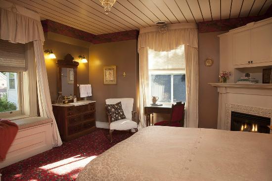 The Livingston Inn: Lake Mendota Room