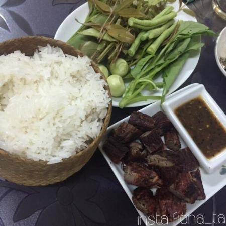 Soukvemarn Lao Food: Grilled Beef and Sticky Rice
