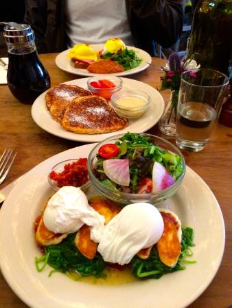 Cafe Select : the fried halloumi, museli pancakes, and eggs benedict swiss