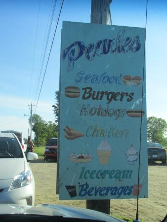 Pearle's in Paradise: Hwy 1 Pearle's Signage