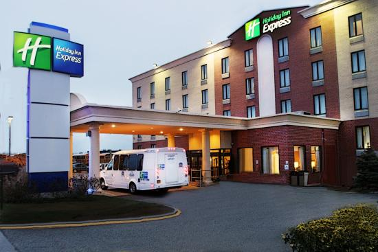 Holiday Inn Express At JFK