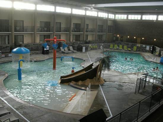 Pool area picture of best western plus bloomington hotel for Western pool show 2015