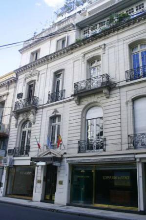 Leonardo Da Vinci Residence: entrada del hotel