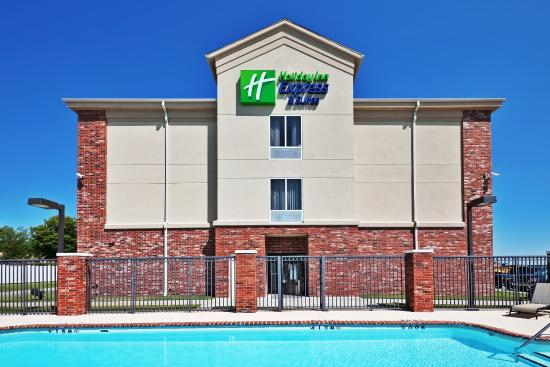 Photo of Holiday Inn Express Hotel & Suites Catoosa