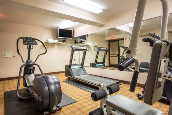 Quality Inn & Suites: Fitness Center