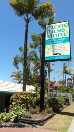Coffs Harbour Pacific Palms Motel: Street View