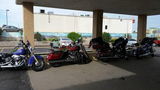 Days Inn Colorado City: We got to park out front