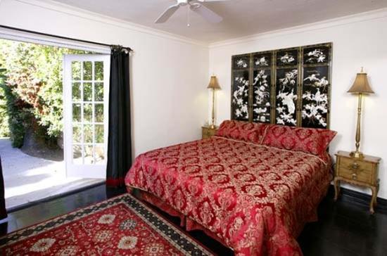 Villa Royale Inn: Img Canopy Lg