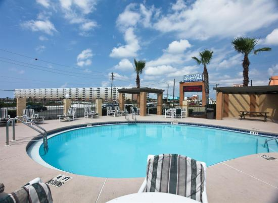 Emerald Coast Inn & Suites: Pool view
