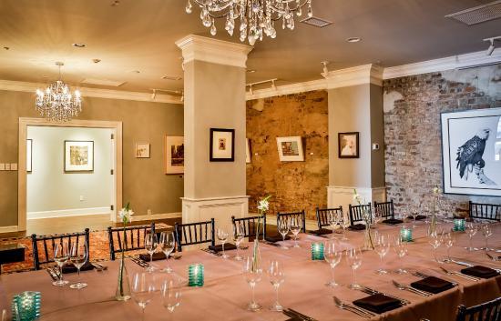 The Vendue Charleston's Art Hotel : The Gallery Room