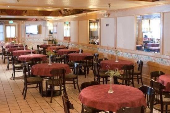 Arena Hotel: Restaurant