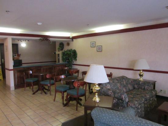 Haven Inn & Suites : Breakfast Area