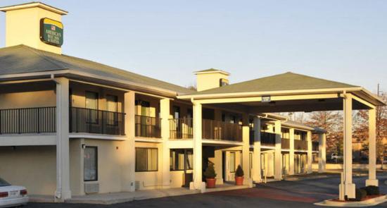 America's Best Inn Decatur: Exterior