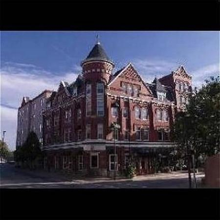 The Blennerhassett Hotel: Exterior view