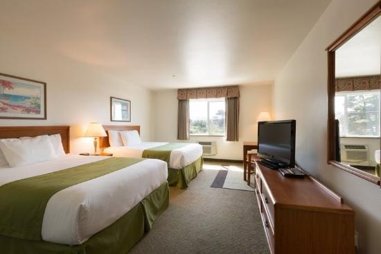 America's Best Inn & Suites Lincoln City: Two Queen Beds