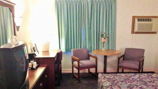 America's Best Inns & Suites New Florence: In Room Amenities