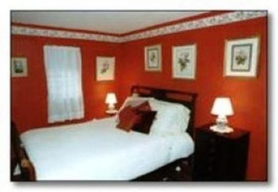 The 1720 House: Guest room
