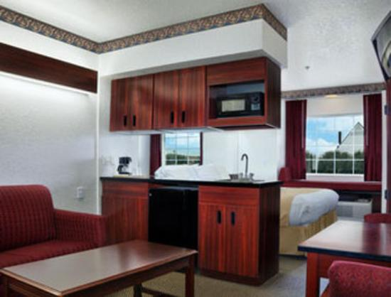 Microtel Inn & Suites by Wyndham Oklahoma City Airport: Suite