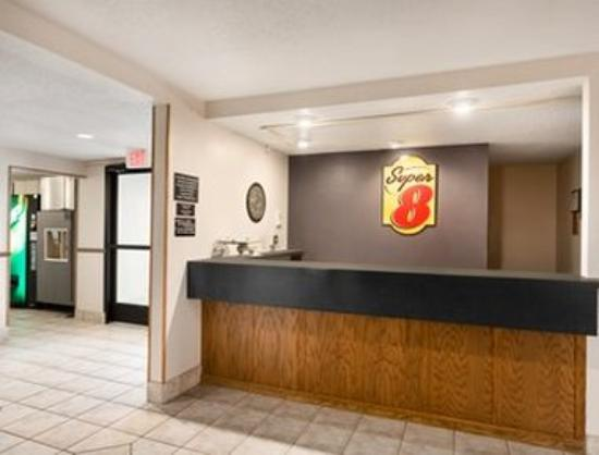 Super 8 Dodgeville: Lobby