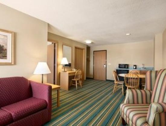 New Richmond, WI: Suite