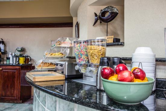 Quality Inn & Suites Fort Jackson Maingate: SCBKFAST