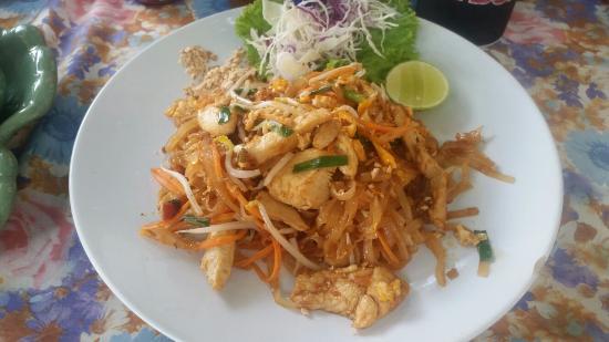 Dreams : Chicken Pad Thai & Fried Rice