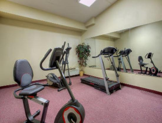 Ramada Sparta/At Speedway: Fitness Room