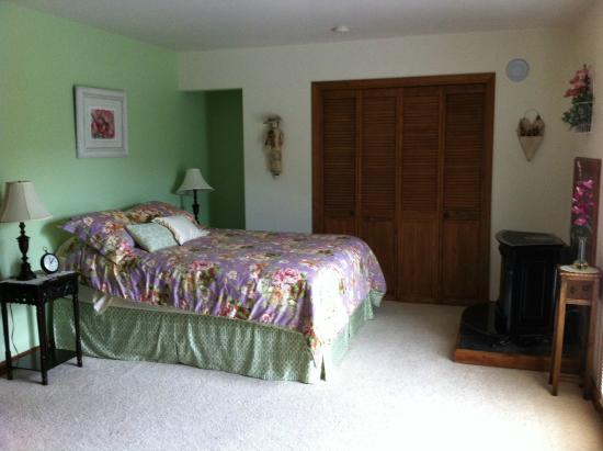 Inn at Tern Lake : room #3