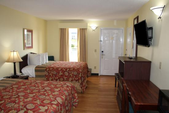 Jameson Inn Perry: Two Double Bed Guest Room