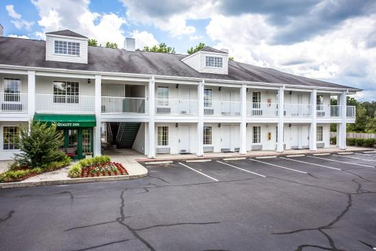 Quality Inn Cheraw: Exterior