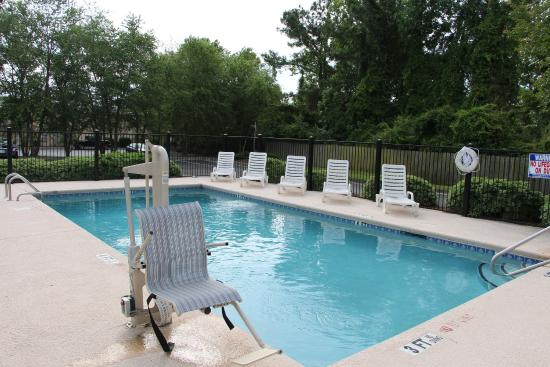 Jameson Inn Wilmington: Pool