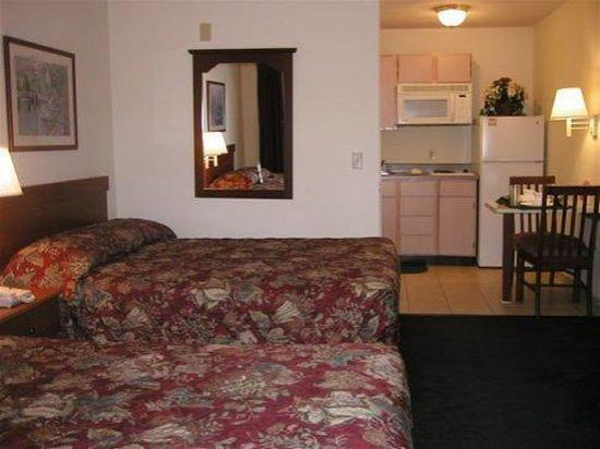Sun Suites of Lewisville : Guest room