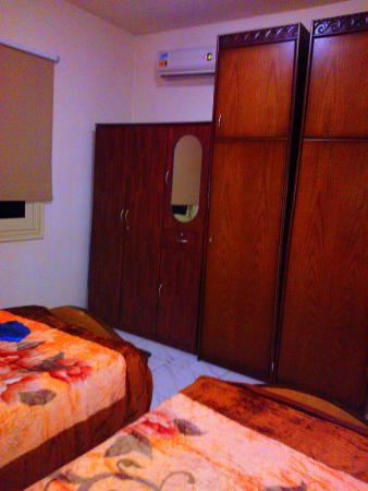 Chrysanthos Boutique Apartments : Спальня