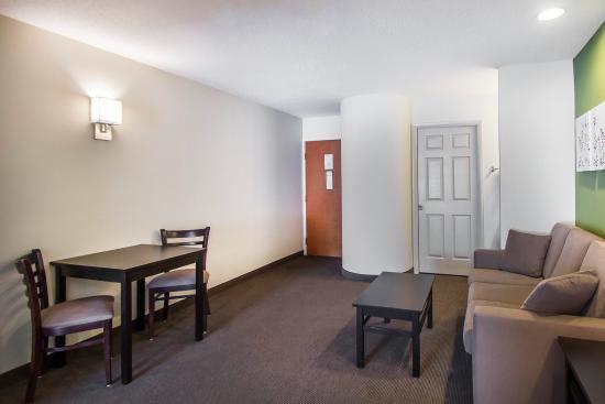 Sleep Inn & Suites: CTSNK