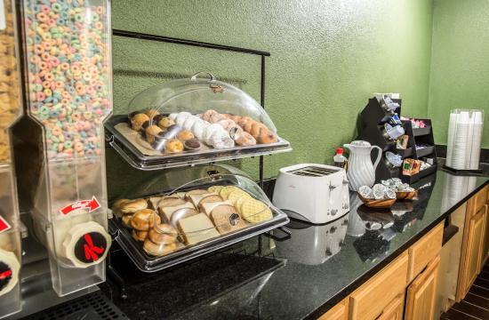Rodeway Inn & Suites: NCBkfast