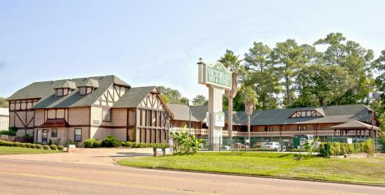 Photo of Victorian Inn & Suites Nacogdoches