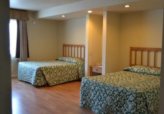 Oceana Inn Santa Cruz: Other Hotel Services/Amenities