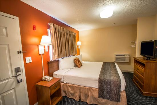 Suburban Extended Stay Hotel - Stuart: Guest Room