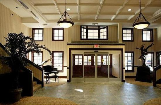 Waterford Estates Lodge South Bend: Lobby Pic