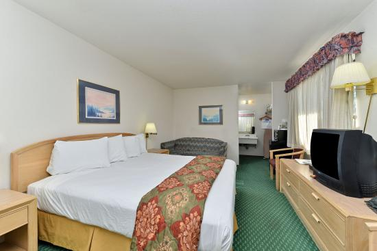 Americas Best Value Inn & Suites: One Queen Bed Guest Room