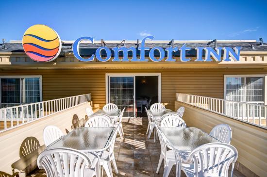 Comfort Inn: Patio