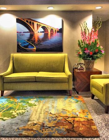 Georgetown Suites: lobby