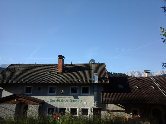 Zur Schonen Aussicht Hotel Garni : entrée de l'hôtel et de la salle de restauration  (petit déjeuner)