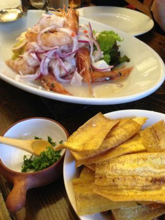 Arai Shoten : 海老と甘鯛のセビチェと青いバナナのチップス