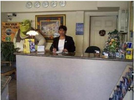 Nite Inn at Universal City: Lobby view