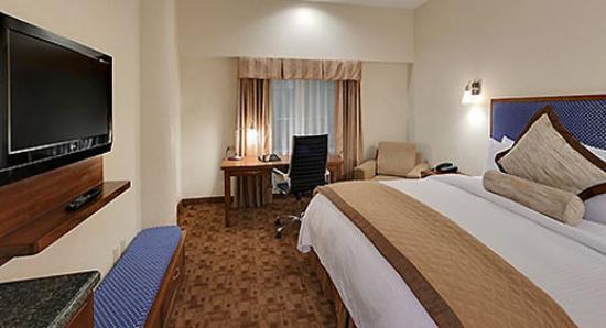 Wyndham Garden Baronne Plaza New Orleans: Guest Room